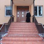 Nowe  drzwi i schody ( na zdjęciu s. Lucjana)